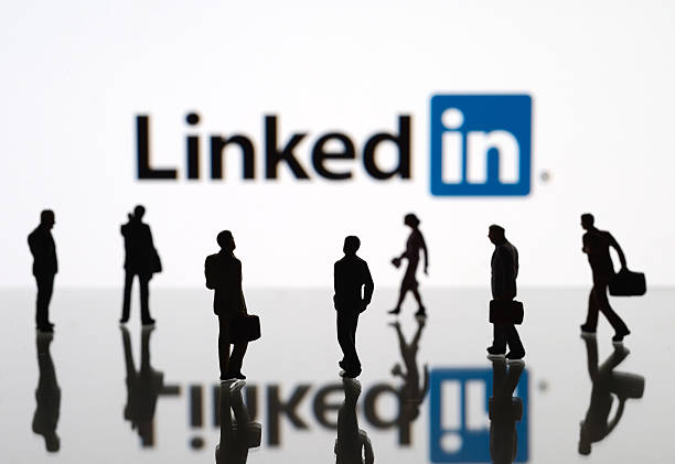 How to advertise with LinkedIn Ads real estate post thumbnail image